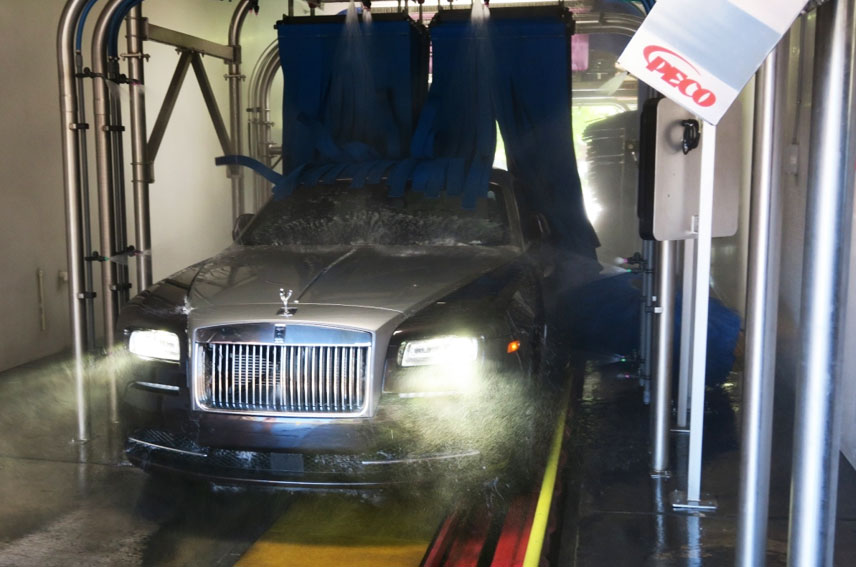 High End Vehicles Like This Rolls Royce Exit The Tunnel